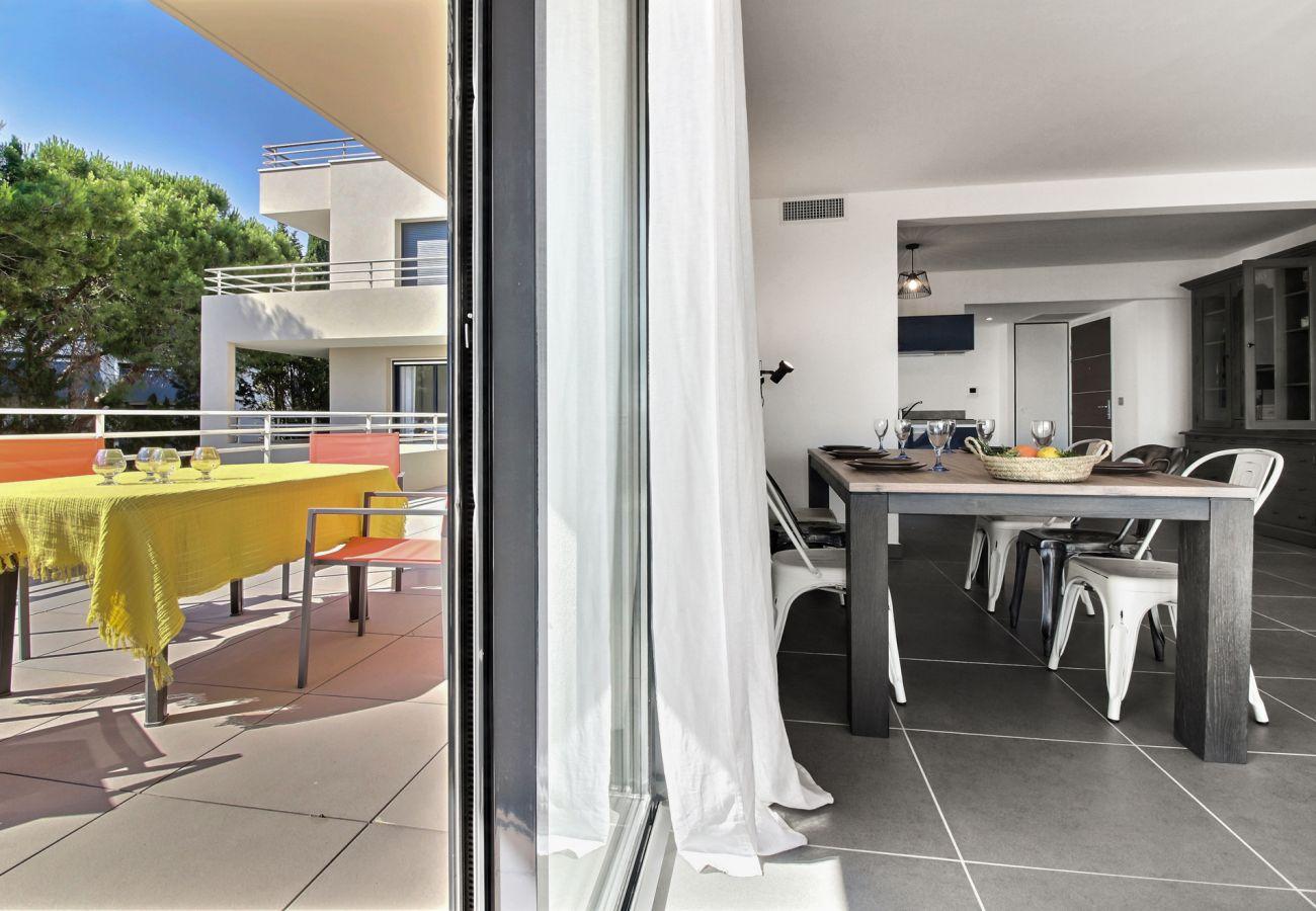 Apartment in Sète - 250
