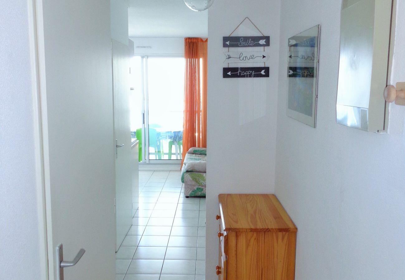 Apartment in Sète - 33
