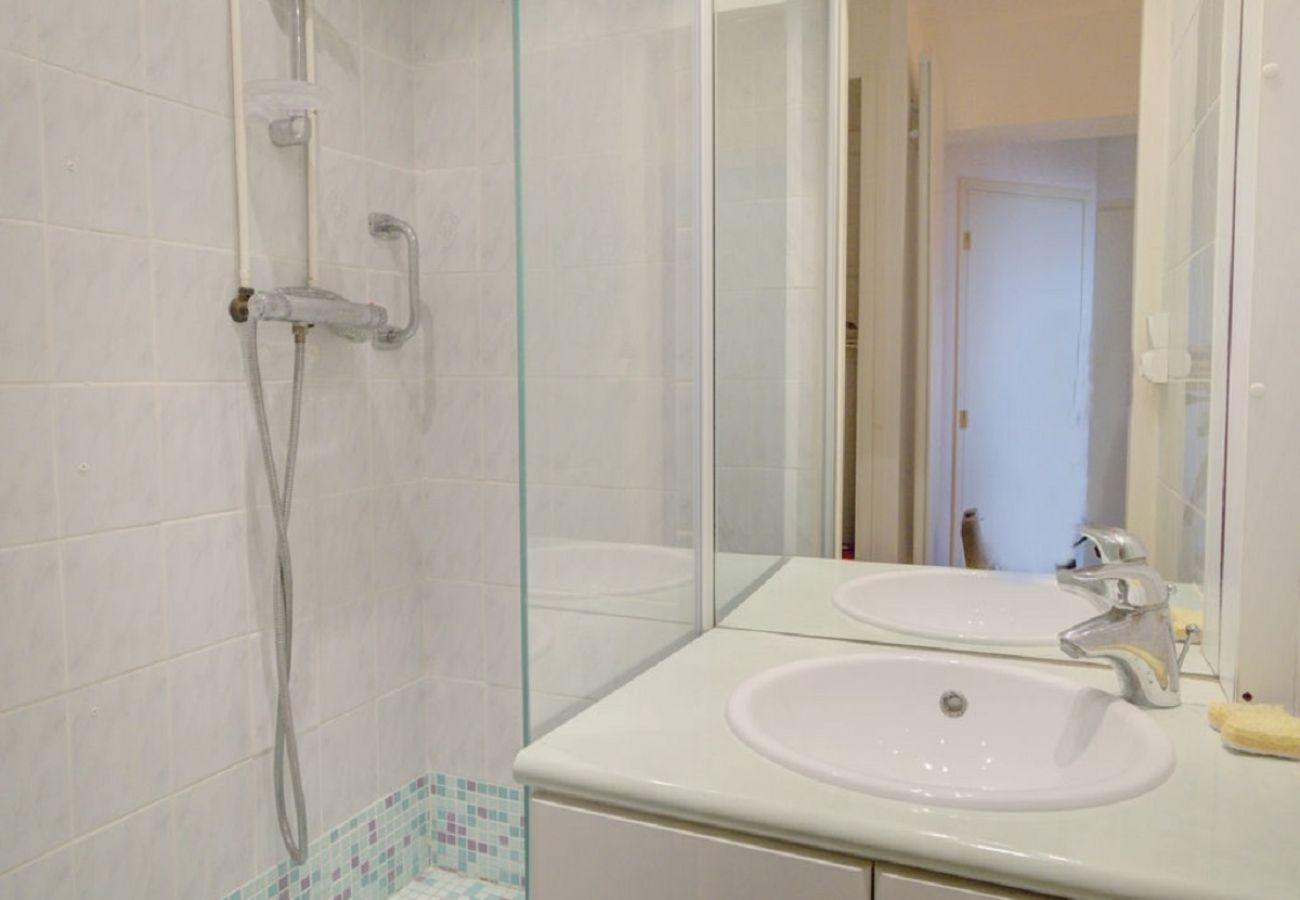 Apartment in Sète - 320275