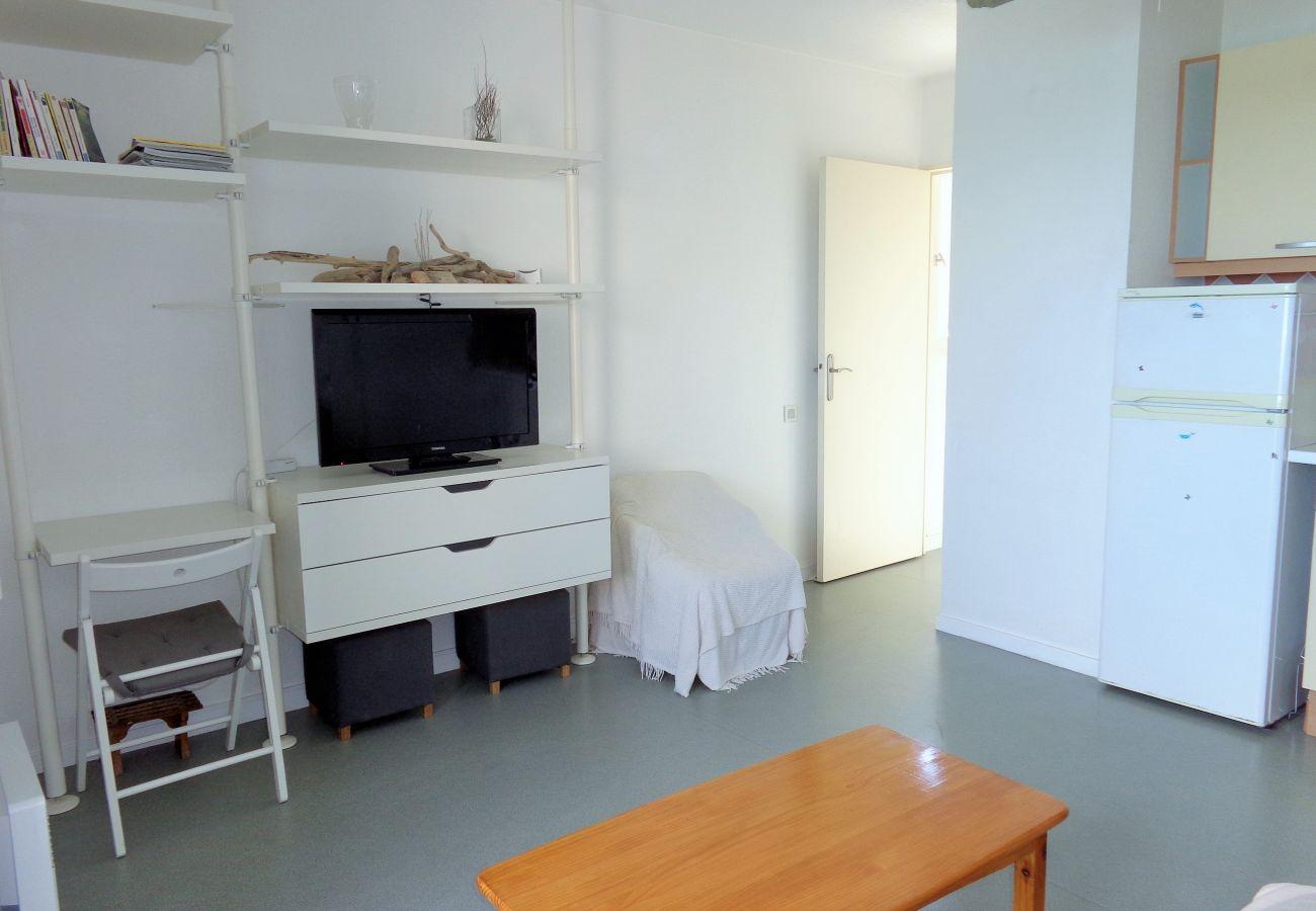 Apartment in Sète - 32