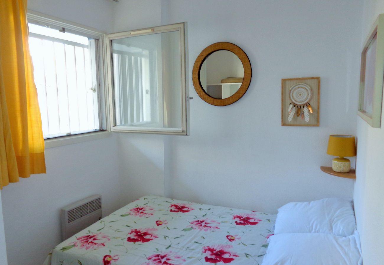 Apartamento en Sète - 33