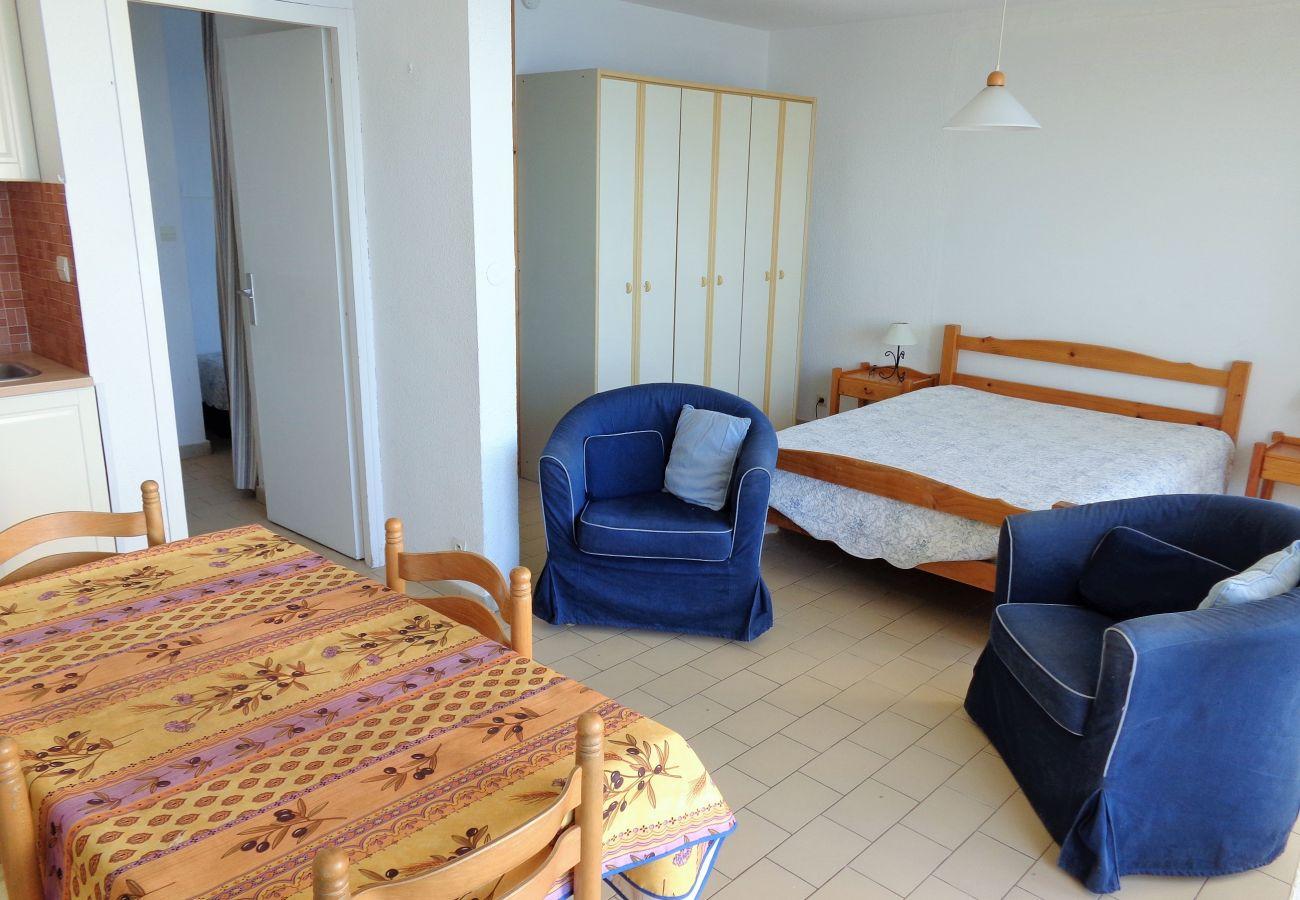 Apartamento en Sète - 76